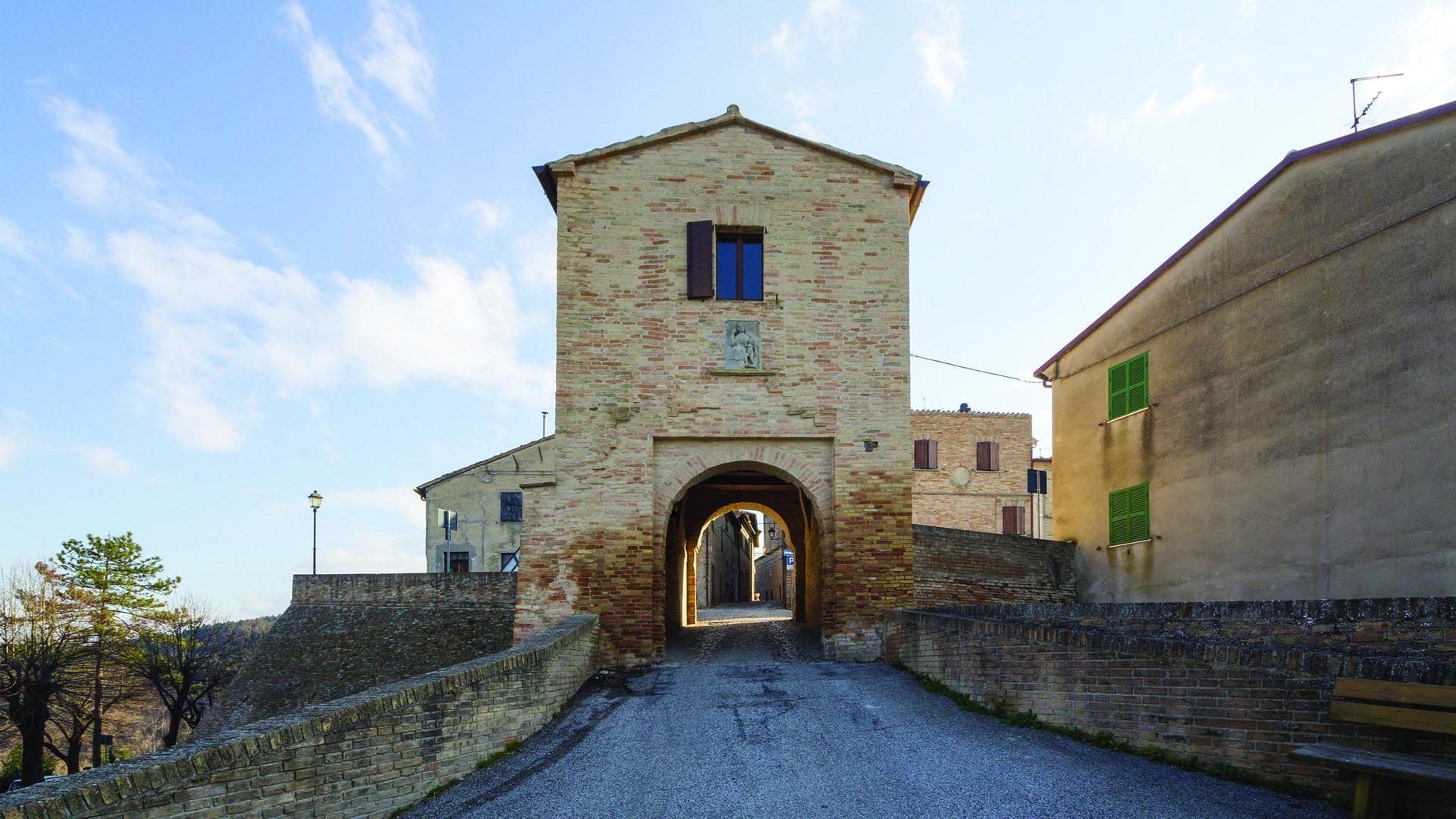 La porta d'ingresso al Castello, foto di Daniele Marzocchi